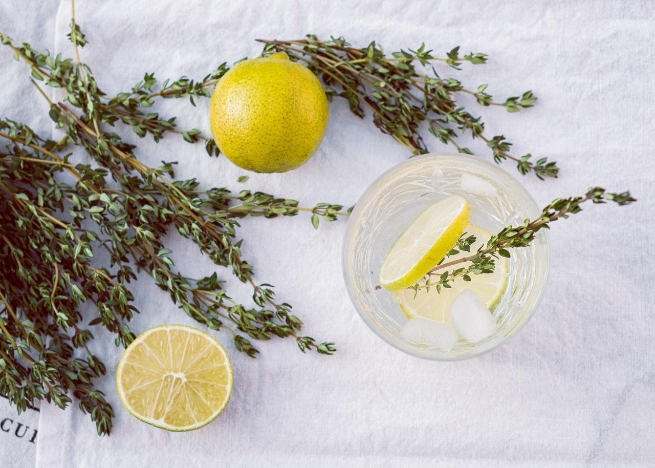 Czy warto stosować kosmetyki ziołowe?